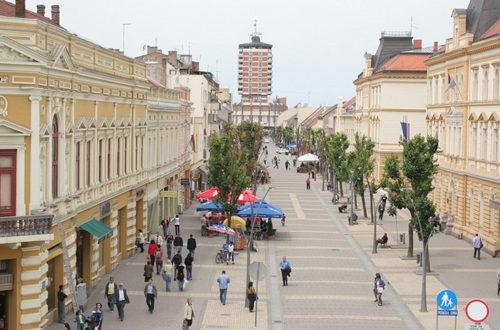 Вучићева безбедна Србија: У Шапцу пљачкају у сред дана наоружани чекићима, ножевима, пиштољима... 1