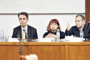 Министар Радуловић умало да због новог закона о раду попије батине на Правном факултету