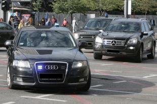 Србија има 600 пута више службених возила него Шведска 8