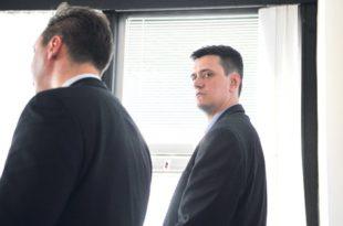 Леш који ће удавити Вучића: Kолико смрти је остало иза српског диктатора?