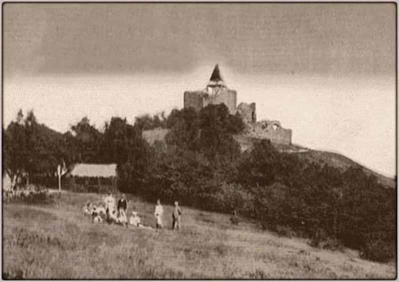 Српски средњевековни град Жрнов, Авала