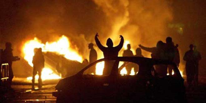 У Француској за Нову годину запаљено више од хиљаду аутомобила 1