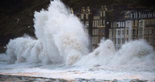 Велика Британија: Најгора зимска олуја у последњих 20 година 7