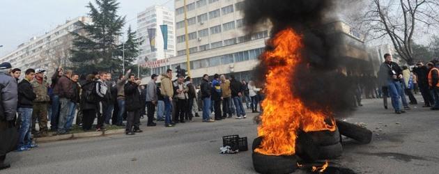 ХАОС у БиХ: У Тузли побуна радника и грађана против власти, немири се проширили на Бихаћ, Сарајево, Зеницу, Какањ... 1