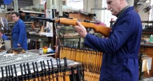 Радници неће тајкуне у фабрикама оружја 10