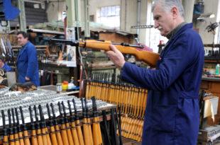 Радници неће тајкуне у фабрикама оружја 9