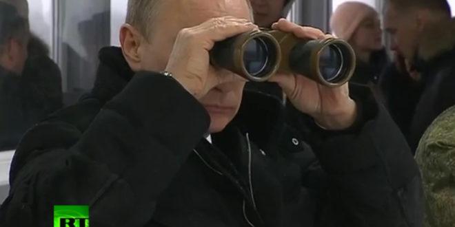 Путин у посети завршној фази војних вежби у Лењинградској области (видео)