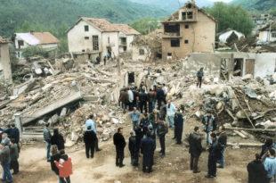 На данашњи дан: НАТО бомбардовао центар Сурдулице и убио 20 цивила, укључујући 12 деце (видео)