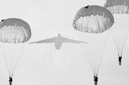 Десант руских падобранаца на Арктик (видео) 1