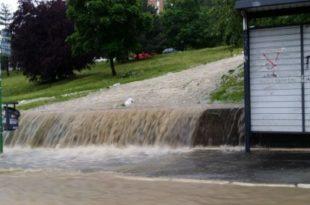 Вучићу се замало остарила жеља! Београд ипак није на води већ под водом (фото)