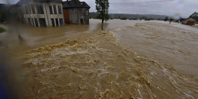 Гардијан: Испод површине поплава на балкану лежи друштвена катастрофа 1