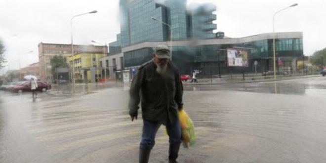Шабац у ХАОСУ! Хлеб 160, литар воде 150 динара, без плана евакуације, хемије на стотине тона... 1
