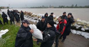 Стижу руски авиони и још спасилаца, у Сремској Митровици почела евакуација