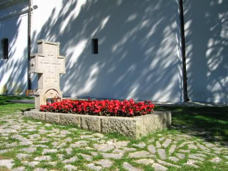 Ava-Justin-grobno-mesto