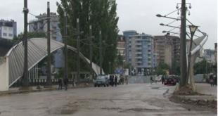 Уклоњена барикада на ибарском мосту у Косовској Митровици 4