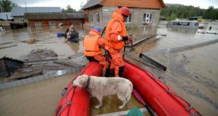 ОГРОМНЕ ПОПЛАВЕ У СИБИРУ: Евакуисано 8.000 људи, има мртвих, 4 000 потопљених кућа! 9