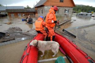 ОГРОМНЕ ПОПЛАВЕ У СИБИРУ: Евакуисано 8.000 људи, има мртвих, 4 000 потопљених кућа!