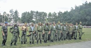 Украјински падобранци из Дњепропетровска подигли заставу Русије и напустили јединицу! 7
