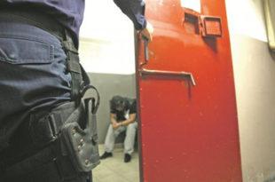 """Исповест ухапшеног због """"ширења панике"""" на Фејсбуку: Ставили ме у ћелију с дилером и убицом 5"""