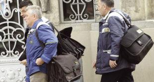 УЦЕНИЛИ ВЛАДУ: Поштарима исплаћено по 35.000 динара па одустали од штрајка 9