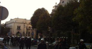 Полиција на Крстовдан не дозвољава Литији да крене од Саборне цркве! 8