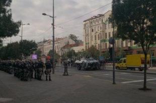 СТИГЛА ПЕДЕРСКА ДЕМОКРАТИЈА: Београд је под опсадом! (фото, видео)