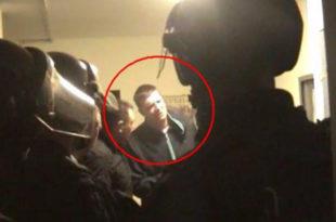 Андреј Вучић на Паради напао службено лице, тужилац га штитио