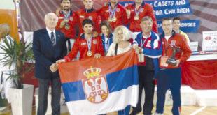 Позлатили Србију: Каратисти Колубаре из Лазаревца, из Буенос Ајреса се враћају са чак седам медаља! 5