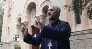 Свештеник: шиптар који је ПОСТАВИО ДРОН попео се на цркву конопцем закаченим за крст 3