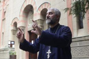 Свештеник: шиптар који је ПОСТАВИО ДРОН попео се на цркву конопцем закаченим за крст