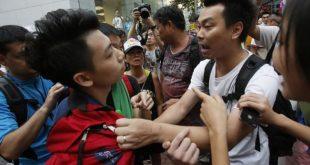"У Хонгконгу се сукобили ""Американци"" и ""Кинези"" 10"
