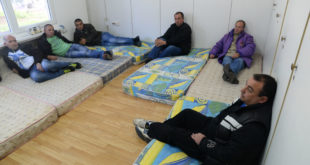Пирот: Седамнаесторо радника започело штрајк глађу 8