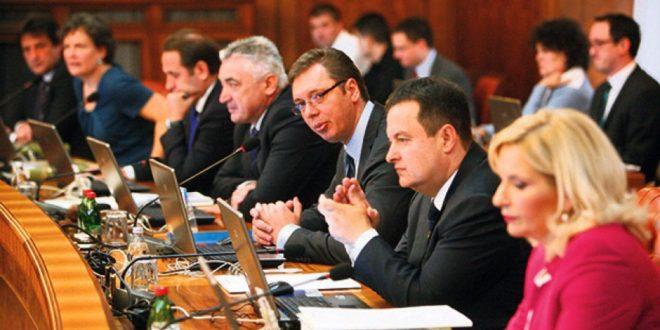 Влада на последњој седници у 2015. одобрила ванредну уплату средстава за 49 општина и градова у којима је СНС на власти 1