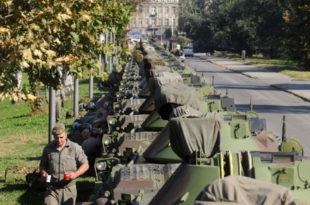 За све који желе да посматрају војну параду уживо: Дођите на Булевар Николе Тесле до 14 часова! 5