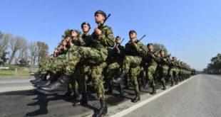 ЕУ и NATO се не свиђа што Путина поздравља 4.500 српских војника: Решићемо то, следећи пут ће да га поздрави 45.000!