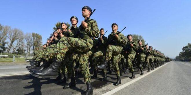 ЕУ и NATO се не свиђа што Путина поздравља 4.500 српских војника: Решићемо то, следећи пут ће да га поздрави 45.000! 1