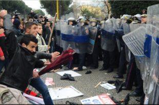А, где вам је сад дрон? У Тирани на десетине хиљада Албанаца протестује због катастрофалне економске политике владе