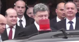 """ПРАГ: Чеси скандирали украјинском председнику Порошенку """"Фашисто, фашисто... """" (видео) 9"""