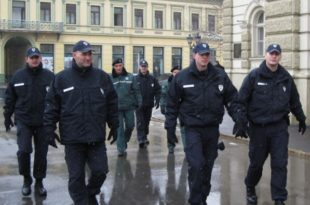 Комунални ГЕСТАПО од децембра добија овлашћења да хапси и користи бибер спреј