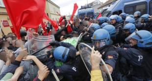 Жестоки антивладини протести у Напуљу (видео) 9