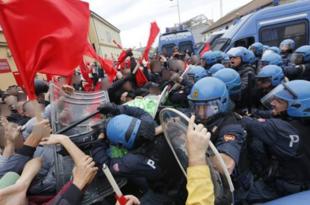 Жестоки антивладини протести у Напуљу (видео)