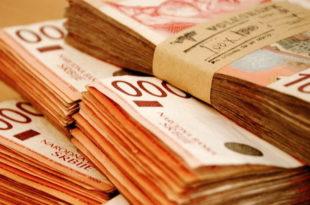 Ко у Србији има плату од пола милиона динара?