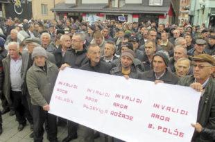 Рожаје – Протест радника против власти и страховите беде која влада на северу Црне Горе (видео)