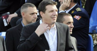 """Поново одложено суђење у случају афере """"Асомакум"""" и Андреја Вучића 4"""