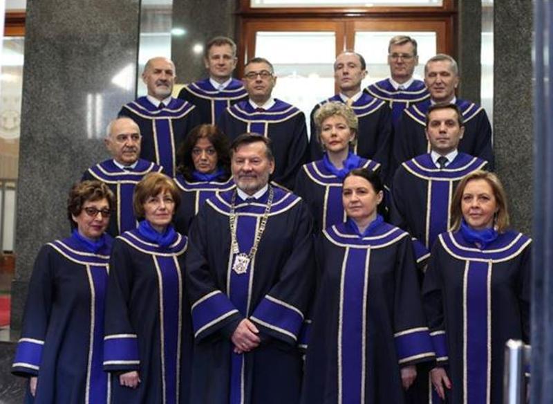 Како су ВЕЛЕИЗДАЈНИК и ЦРВЕНИ БАНДИТ издали Србију и продали народ 3