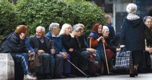 Пензионери би ове године могли да остану без једнократне помоћи од 5.000 динара