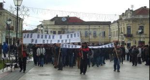У Неготину настављени протести и поред полицијске забране! Порез на имовину повећан 17 пута 9