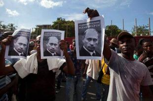 Демонстранти на Хаитију траже помоћ од Владимира Путина