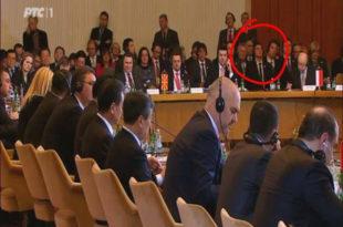 Има ли кога у земљи Србији да се позабави здрављем министра Александра Вулина? 8