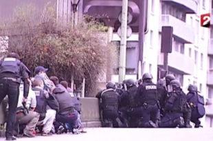 Нови напад у Паризу: Нападач држи таоце у супермаркету